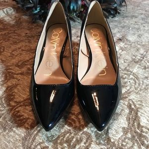 CALVIN KLEIN NEW PATENT LEATHER WITH LIZARD & GOLD
